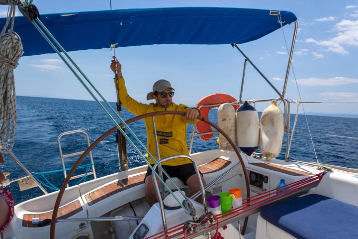 Плаване с яхта. Управление на яхта.