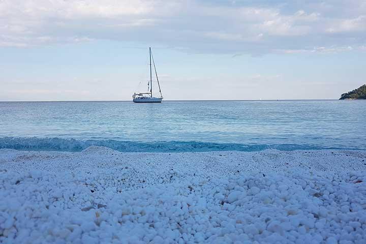 Яхта на Мраморния плаж - Тасос