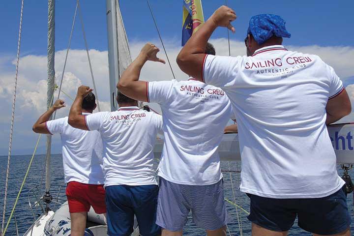Екипаж на ветроходна яхта
