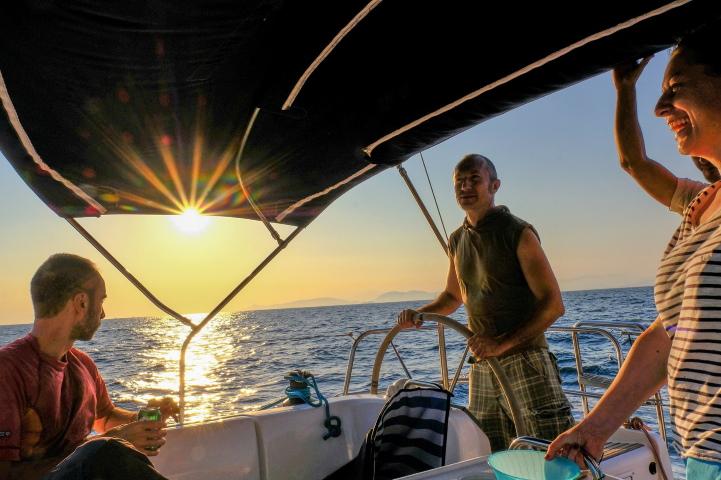 Управление на яхта - шкипер - кокпит - екипаж