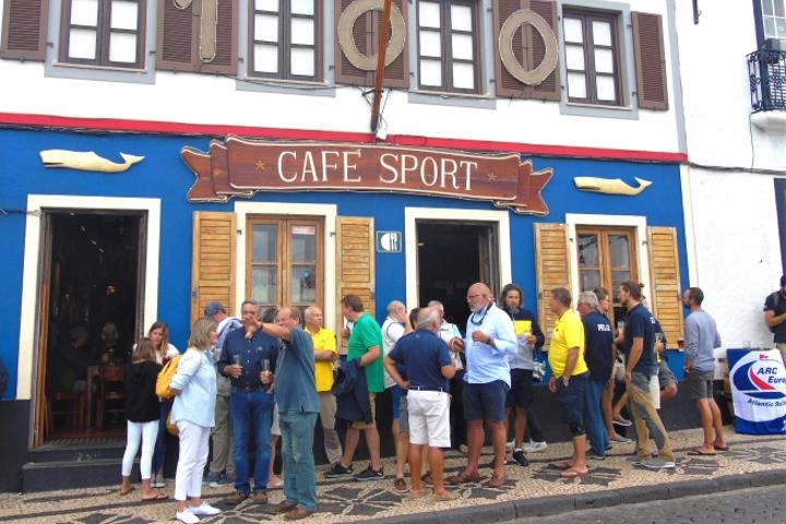 Бар Cafe Sport на остров Фаял