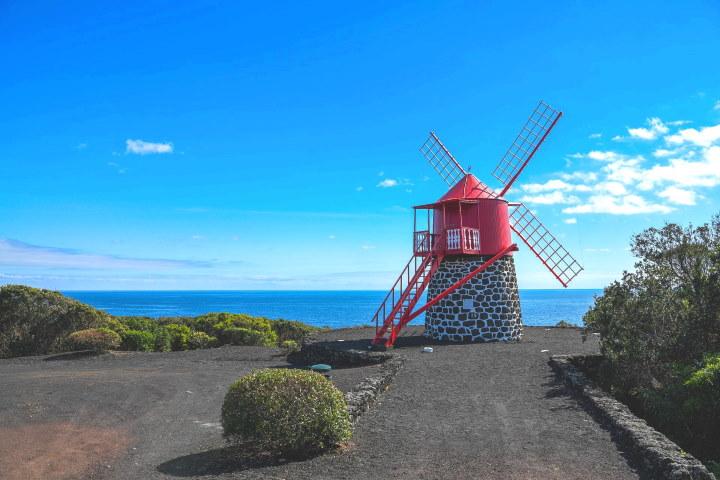 Вятърна мелница на остров Сао Жорижи
